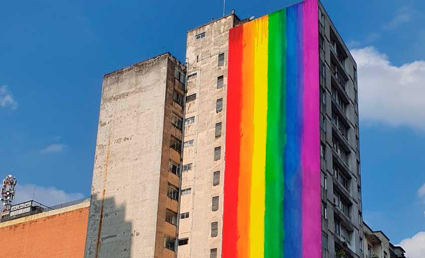 Mural OOH apoia mês do Orgulho LGBT